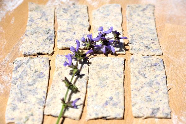 rettangoli di impasto con fiori