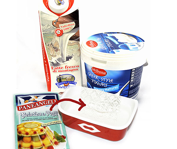 A few ingredients: besides flowers only milk, yogurt, sugar and gelatin sheets