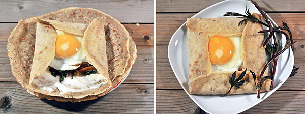 Fold the edges of the crêpe toward center, while leaving the yolk uncovered