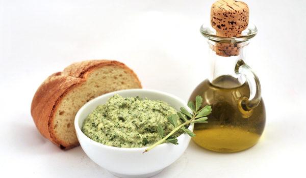 Salad burnet Pesto